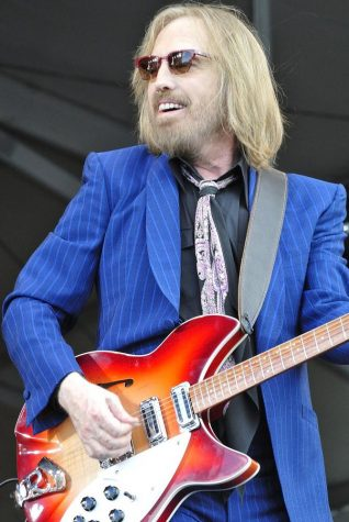 Famed Rocker Tom Petty Dies at 66