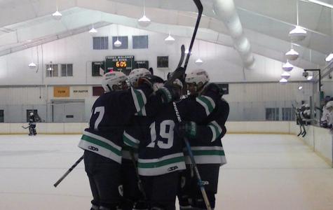Boys Varsity Hockey Team Bonds, Communicates, Ahead of Season