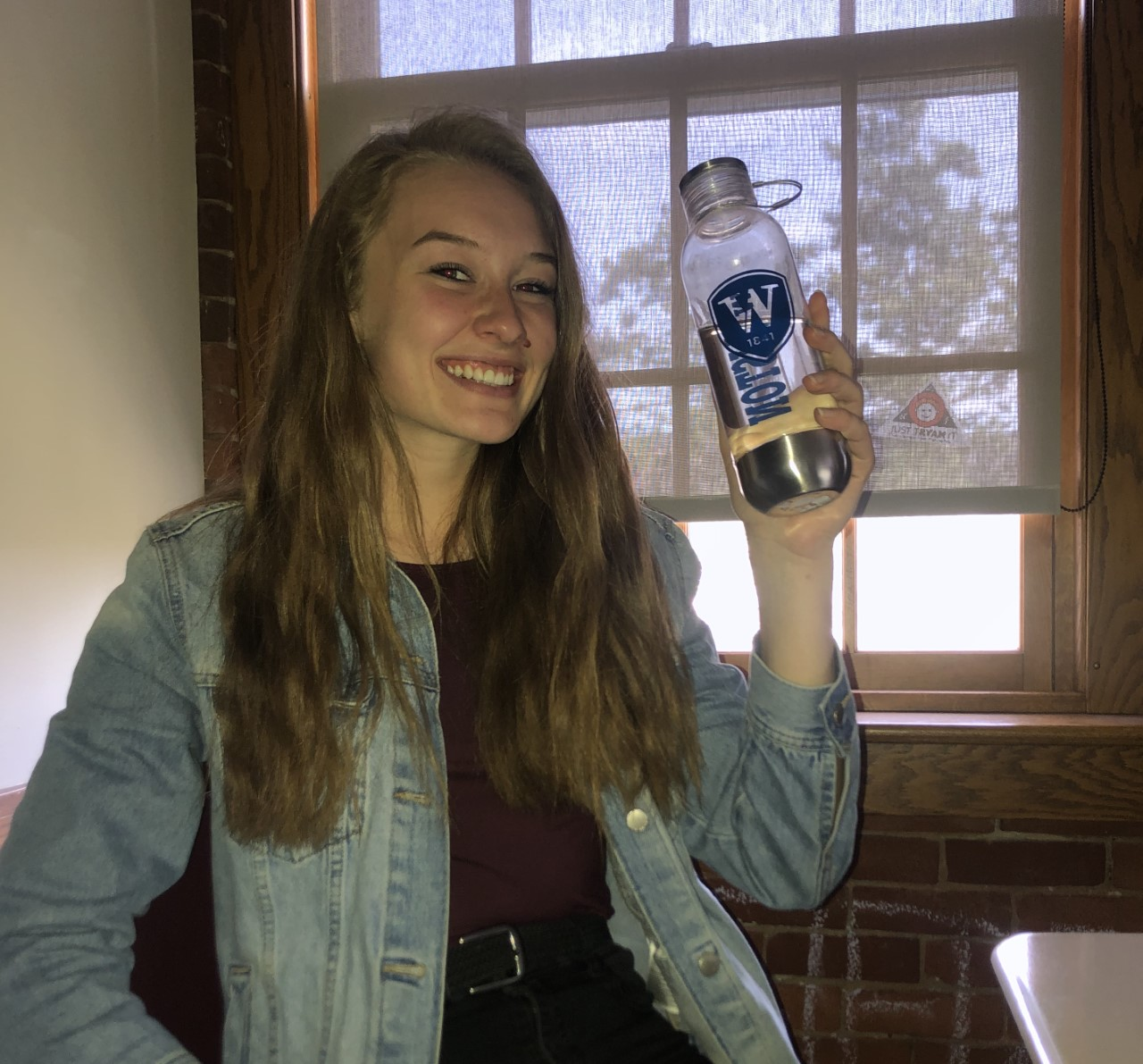 Gates MacPherson '19 with her reusable water bottle. Credit: Ellie Wolfe '19